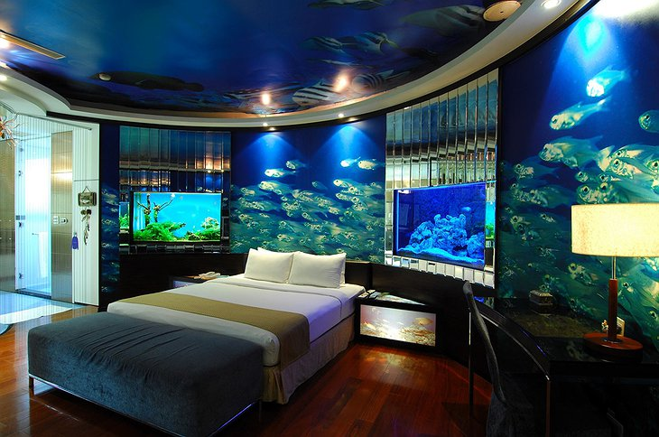 Eden Motel Taiwan aquarium room