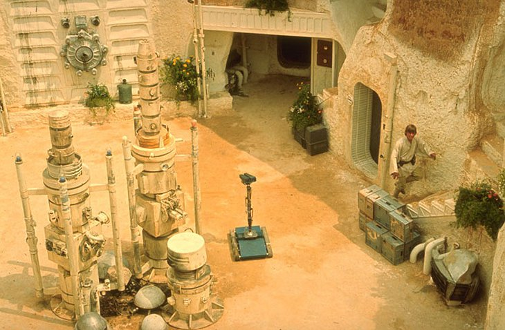 Hotel Sidi Driss and Luke Skywalker in Star Wars Episode IV: A New Hope