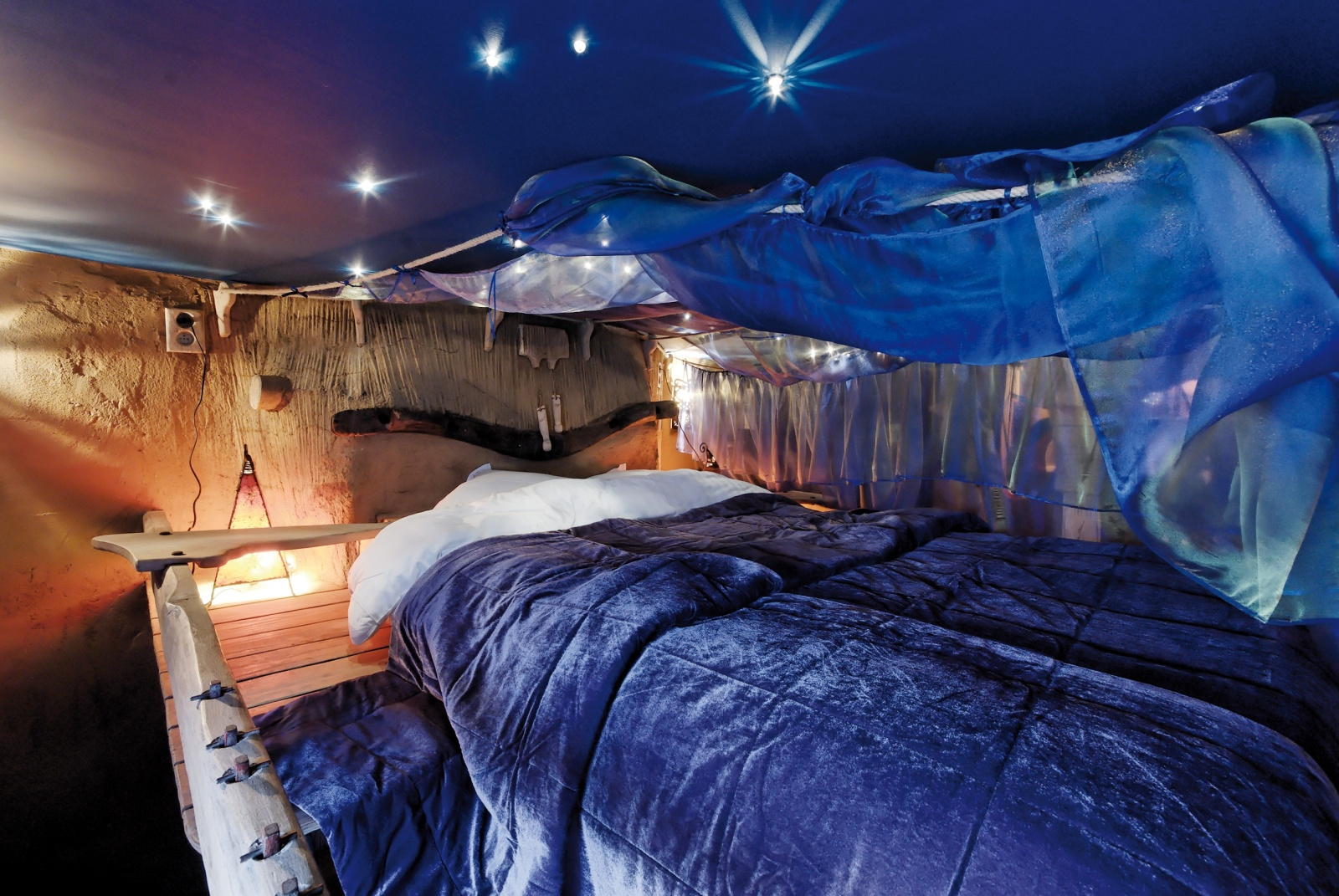 La balade des gnomes magical nights crazy days for Cool accommodation