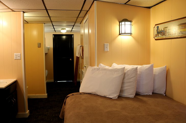 Red Caboose Motel Train Bedroom