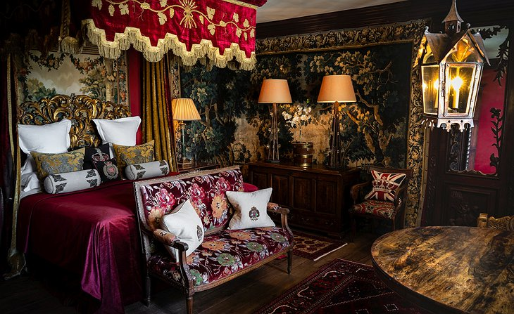 The Witchery by the Castle Turret Bedroom