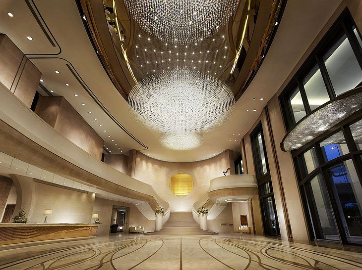 Harbour Grand Kowloon entrance hall