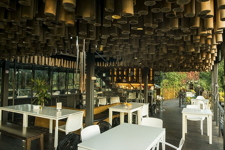 Bangkok Tree House restaurant interior