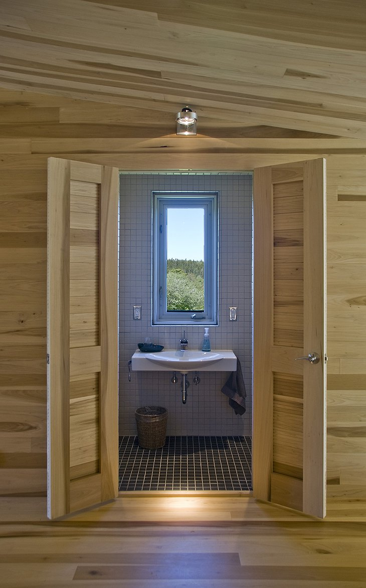 Sliding House bathroom