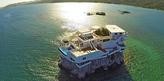 Villa On Dunbar Rock - Villa On A Tiny Rock Island In The Caribbean Sea