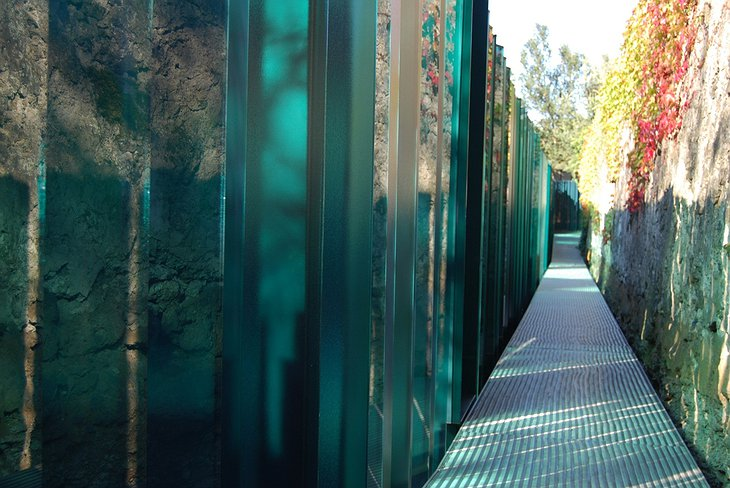 Les Cols Pavellons Pathway