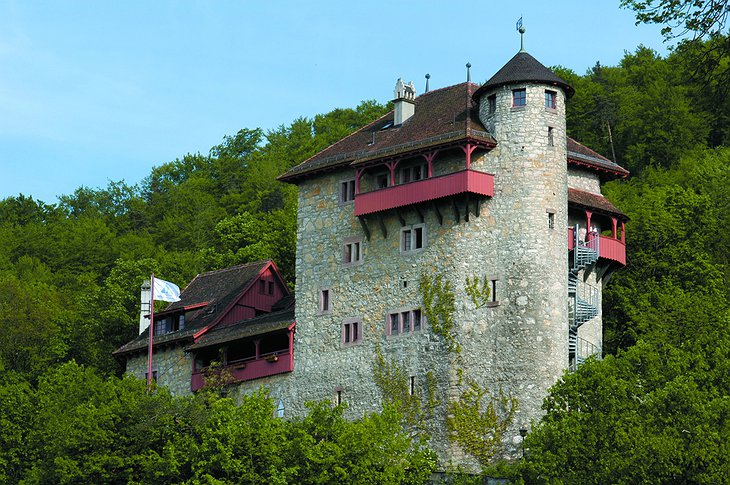 Youth Hostel Mariastein-Rotberg castle