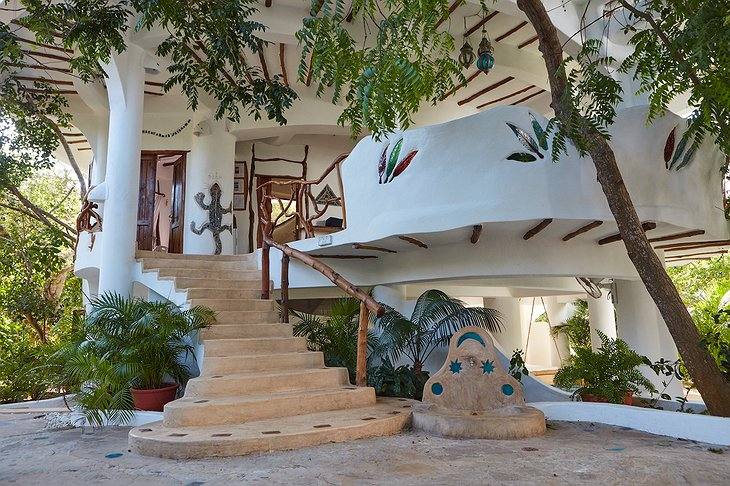 Watamu Treehouse exterior with stairs