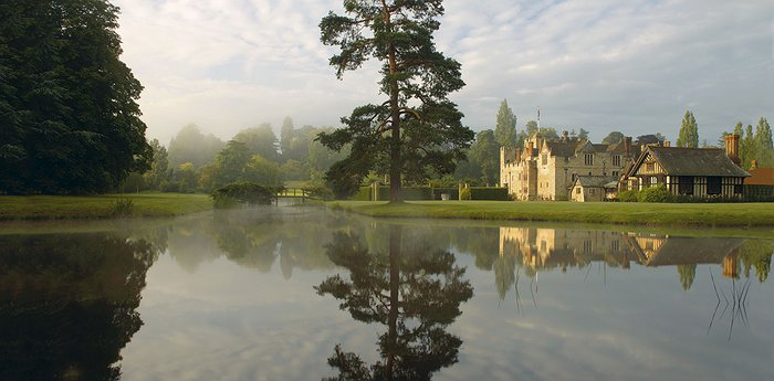 Hever Castle - Royal bed and breakfast experience