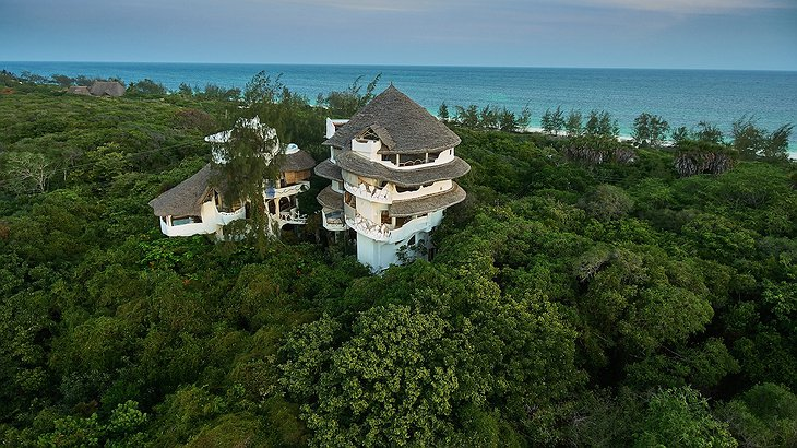Watamu Treehouse exterior with beach view in the background
