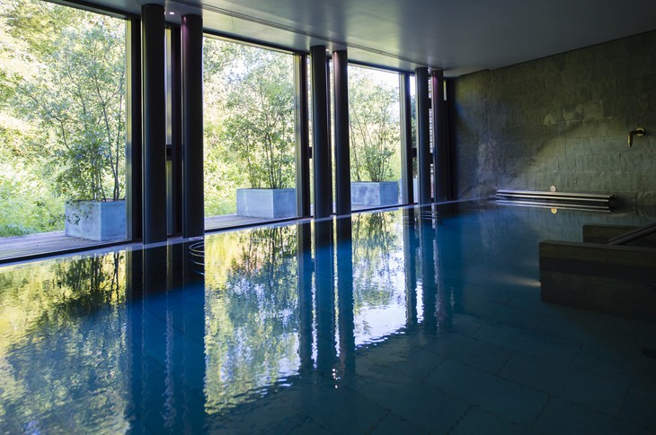 Lime Wood Hotel Herb House Spa hydropool with forest views