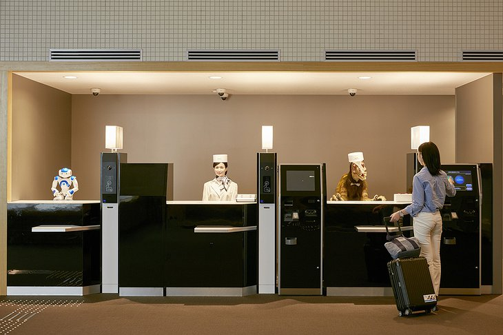 Henn-na Hotel font desk robot check-in