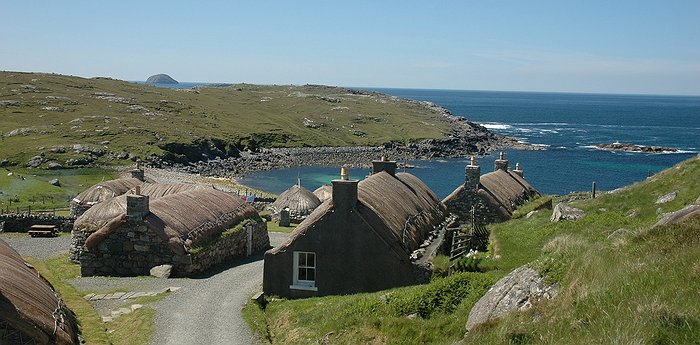 Gearrannan Blackhouse Village - Traditional Scottish Blackhouses Restored For Visitors