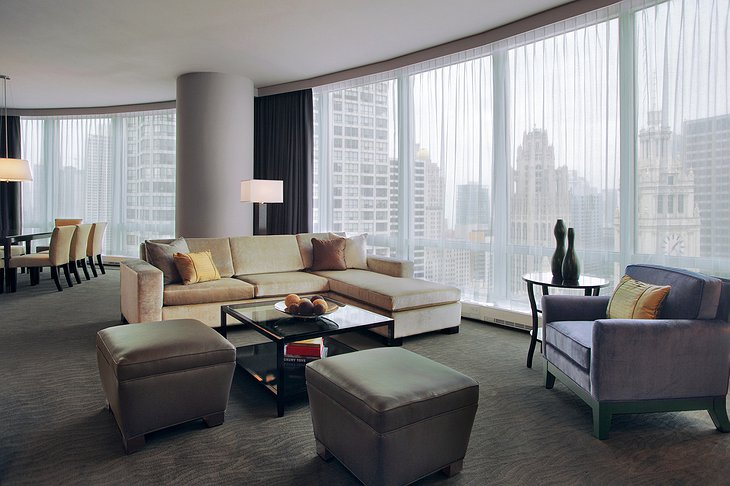 Trump Hotel Chicago living room
