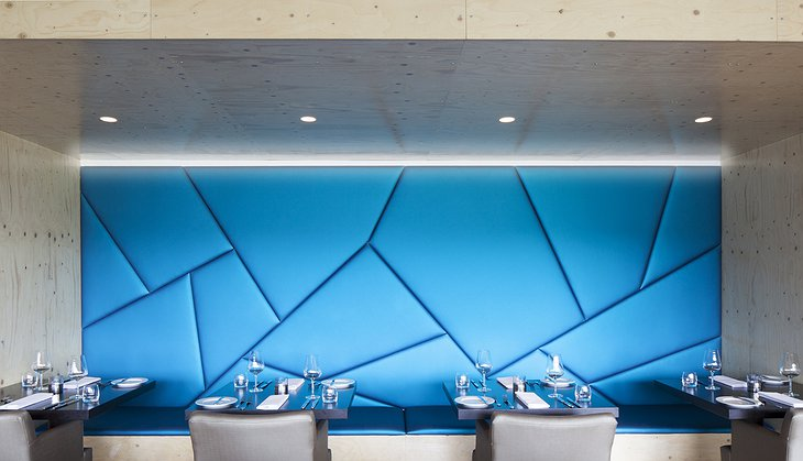 ION Adventure Hotel Silfra Restaurant blue design wall