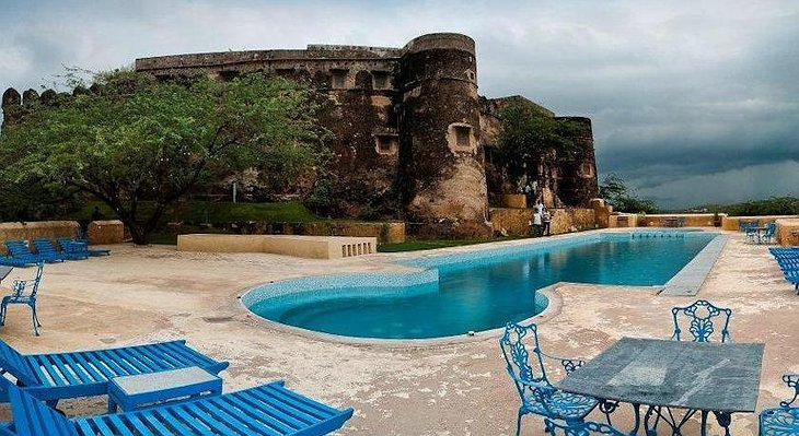 Hill Fort Kesroli swimming pool