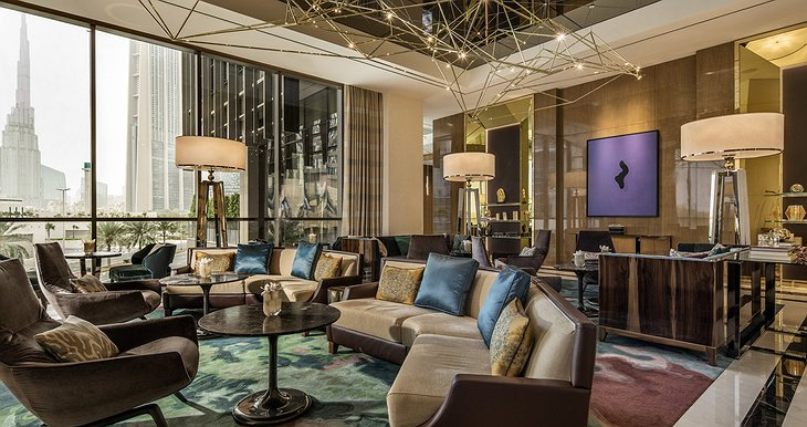 Four Seasons Dubai DIFC lounge