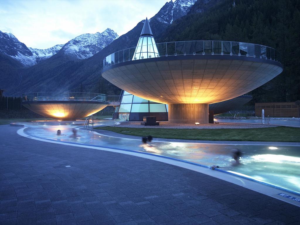 Aqua dome langenfeld for Hotel design tirol