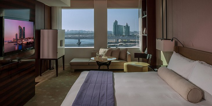 InterContinental Dubai Festival City hotel bedroom