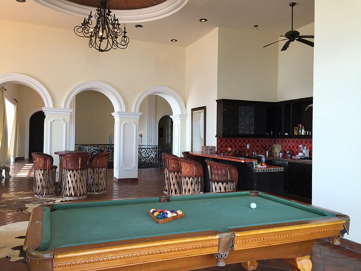 Hacienda Cerritos billiard in the lounge