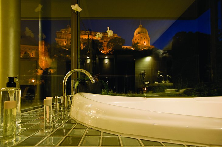 Lanchid 19 bathroom with Buda Castle view