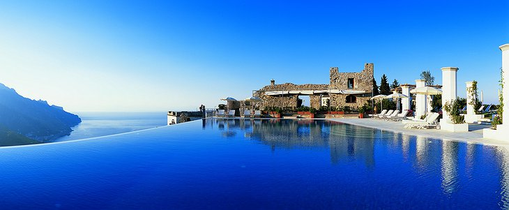 Hotel Caruso infinity-pool
