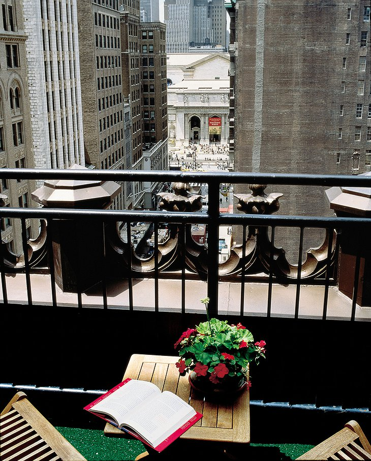 Library Hotel balcony with view on the streets of New York
