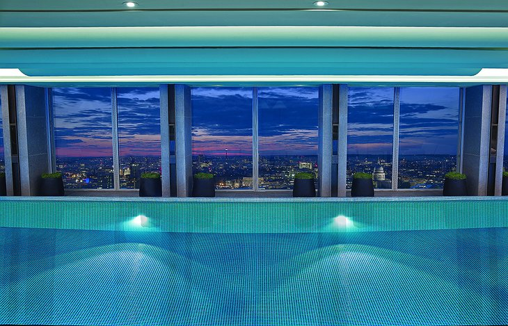 Panoramic London view from Shard tower pool