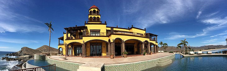 Hacienda Cerritos panorama of the hotel