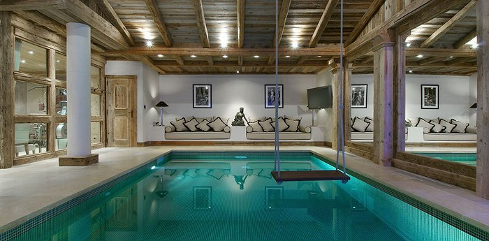 Grande Roche Chalet - Located In One Of The Most Luxurious Ski Destinations In The World