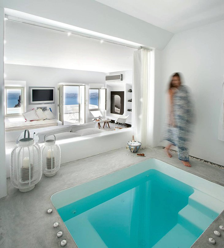 Grace Santorini suite with jacuzzi