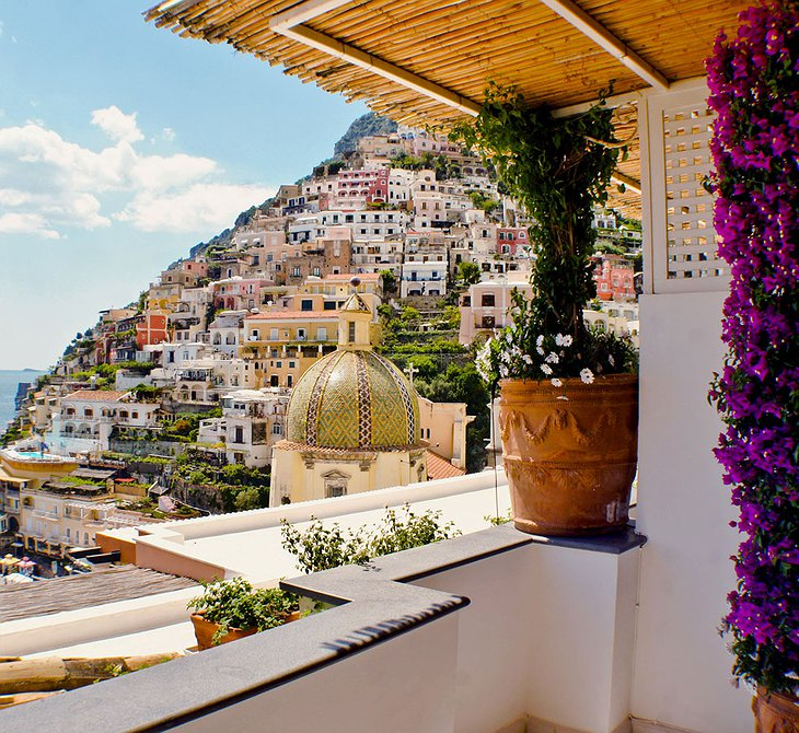 Le Sirenuse Hotel terrace with view on Positano