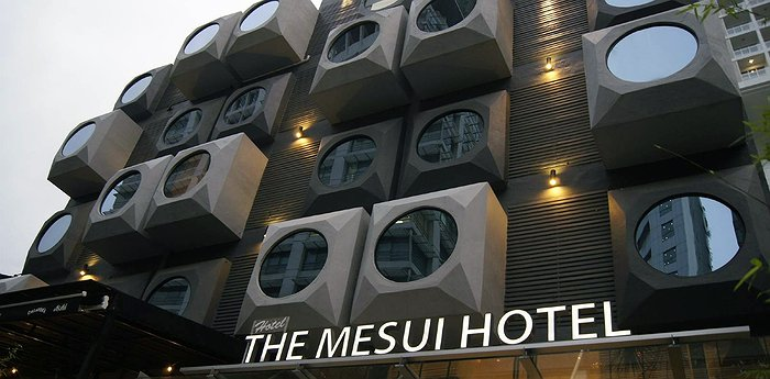 The Mesui Hotel Bukit Bintang - 70s Hotel In Malaysia With Unique Round Window Facade