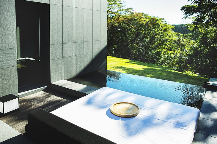 Amanemu spa indoor and outdoor thermal tubs