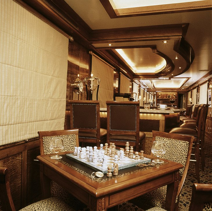 The Blue Train lounge car chess