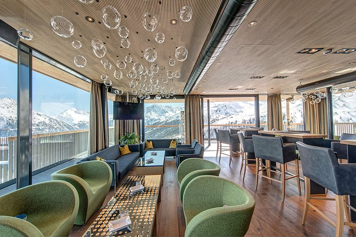 Hotel Schöne Aussicht lounge with Alpine views