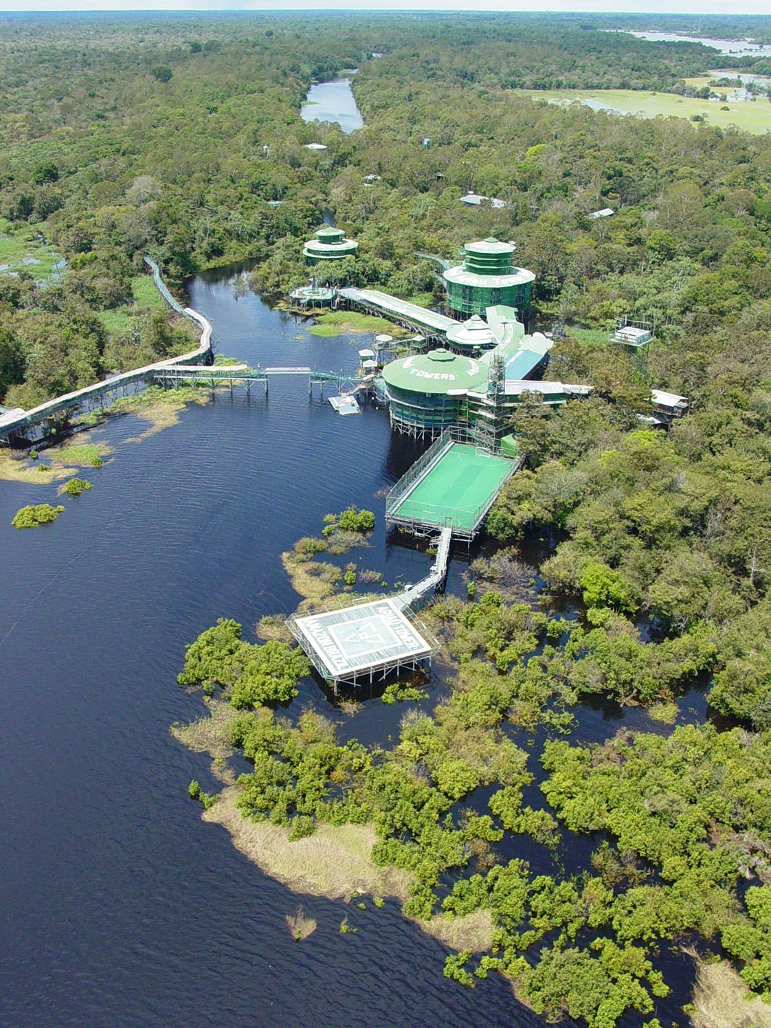 Minimalist Beach House: Ariau Towers Amazon