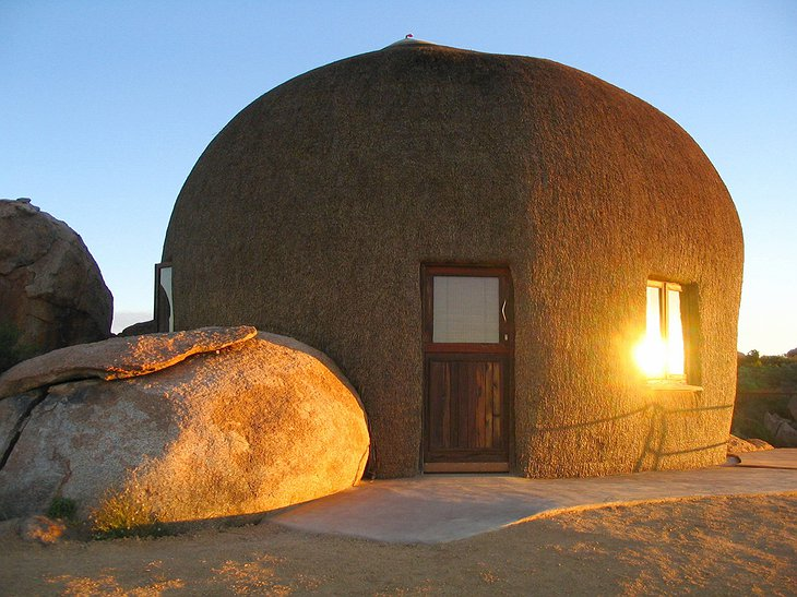 Naries Namakwa Retreat dome-shaped house with thatched roof