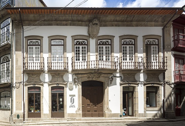 Casa do Juncal building