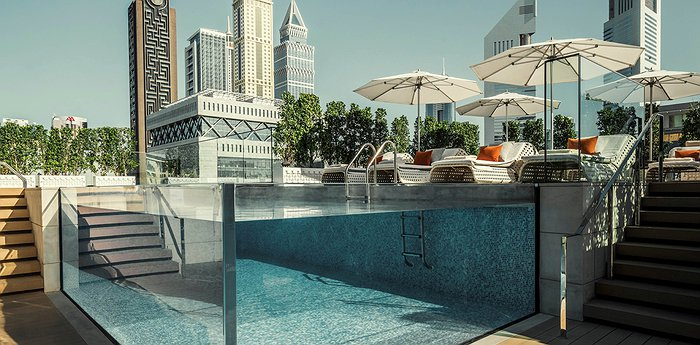 Four Seasons Hotel Dubai International Financial Centre - Transparent Pool At The Heart Of Dubai
