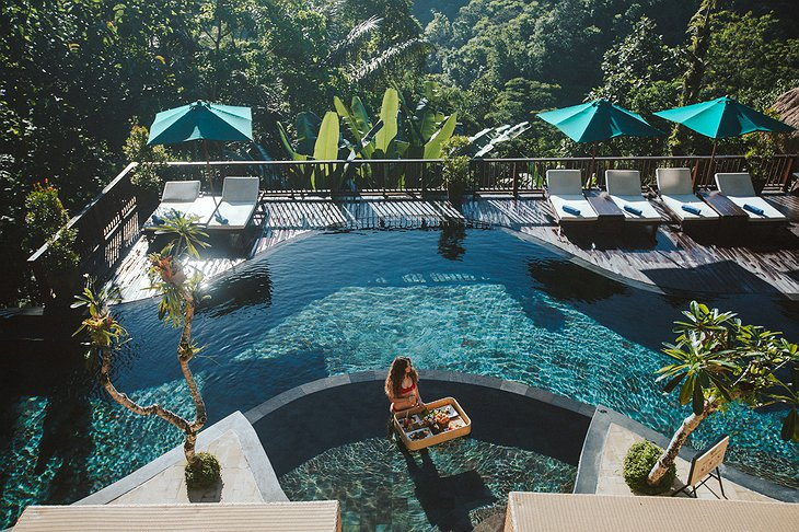 Nandini Jungle Resort Floating Lunch in the Pool
