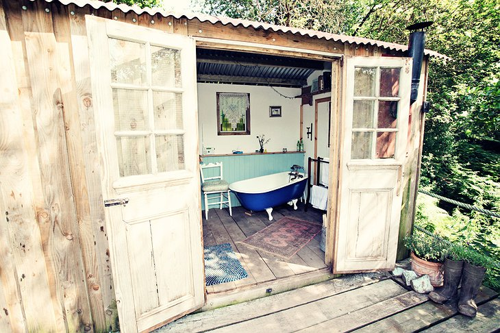 Shepherd hut open bathroom