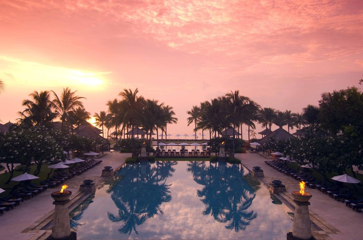 Conrad Bali pool in the morning
