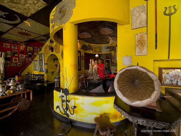 Helga's Folly yellow interior