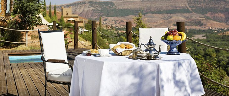 Kasbah Tamadot breakfast on the terrace