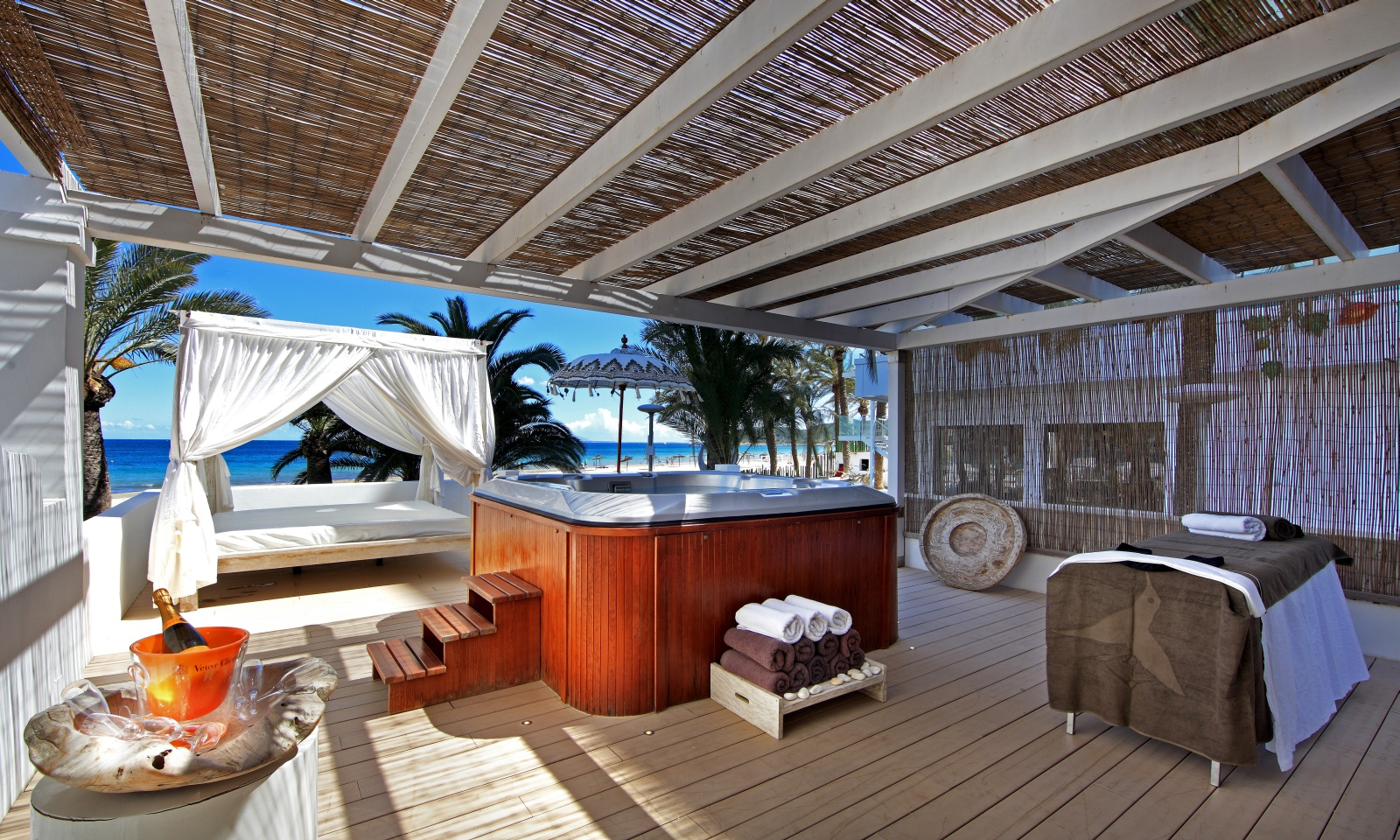 ushuaia ibiza beach hotel the best pool party in the world. Black Bedroom Furniture Sets. Home Design Ideas