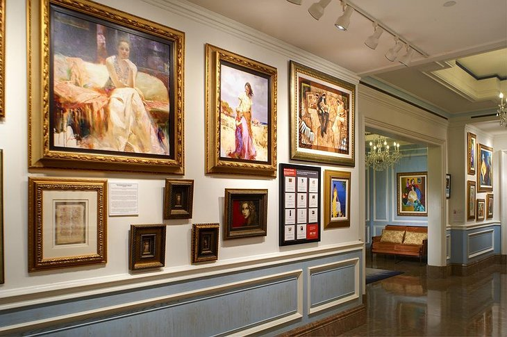 The Henry - Autograph Collection art gallery
