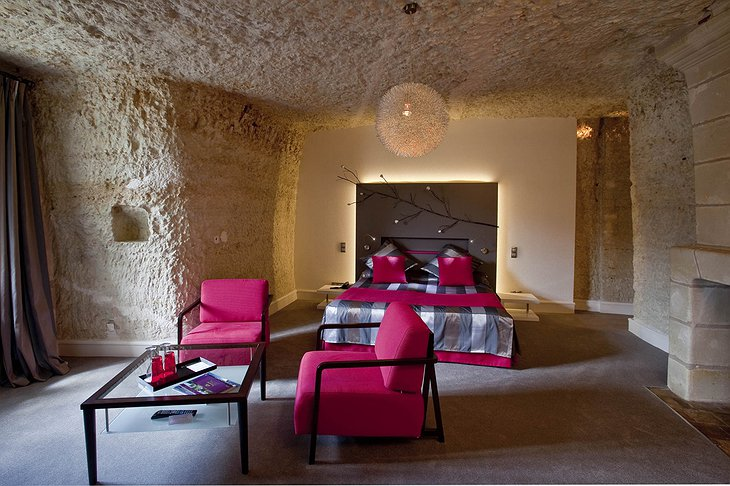 Les Hautes Roches hotel cave room