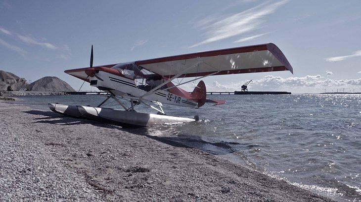 Private airplane landed on the shore of Gotland