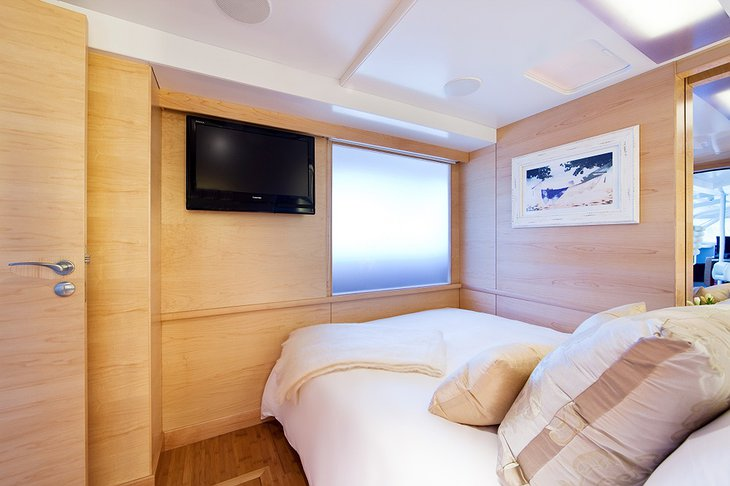 Necker Belle luxury yacht room